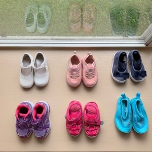 FOURTEEN pair of size 4 girl shoes